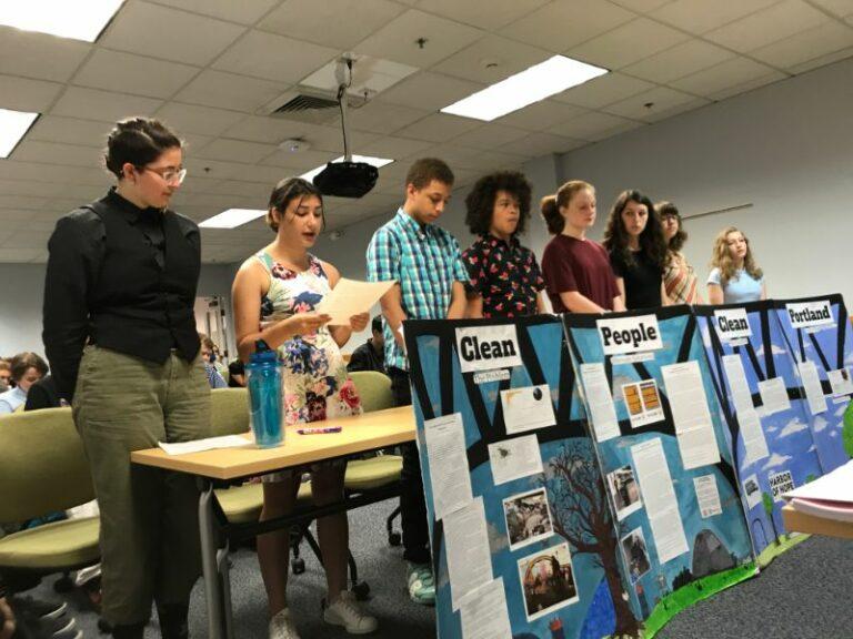 7th/8th Grades: Project Citizen